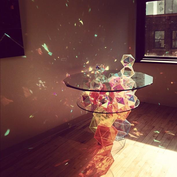 きらきらと。スパークリングな光景が美しい「Sparkle Table」