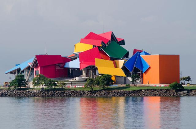 フランク・ゲーリーは現存する建築家の中でも世界最悪だ