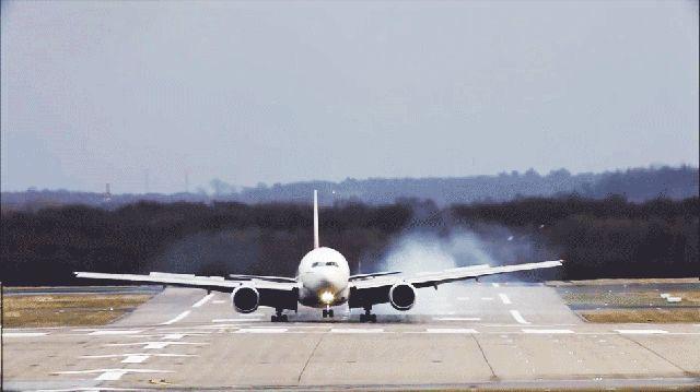 史上最も恐ろしい飛行機の着陸シーン(動画あり) | ギズモード・ジャパン