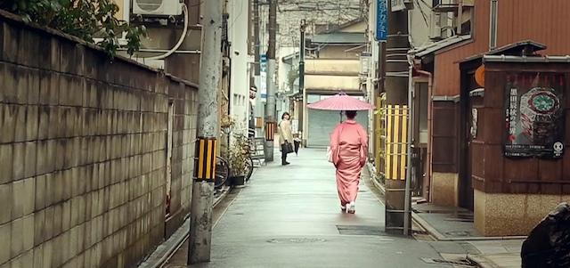 日本は現代に舞い降りた神秘の国。米国人が撮った『日本では1月』(動画)