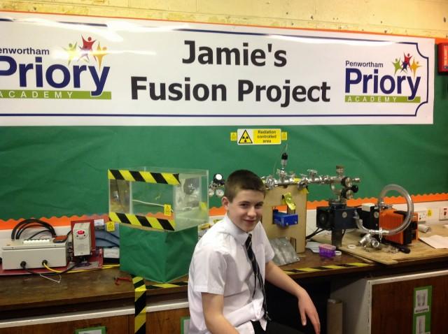 史上最年少! 13歳の少年、核融合が可能な原子炉を作る(動画あり)