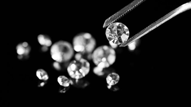 ダイヤモンドの本物・偽物の見分け方