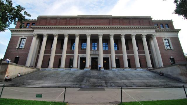 ハーバード大学がウィキペディア編集者採用