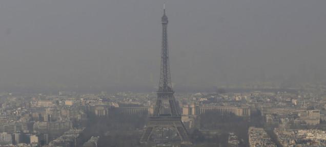 パリはEUの北京。光化学スモッグで先週末はバス電車が全部タダに