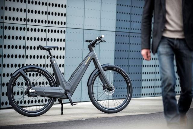素材にこだわったイタリアンな電動アシスト自転車