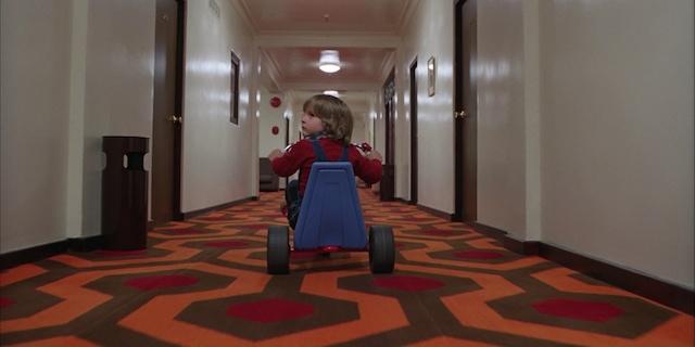 映画「シャイニング」のあのカーペットが着れちゃうよ