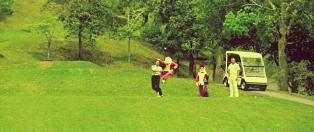 イキりまくるキャディがラップでゴルフマナーを啓蒙する謎動画