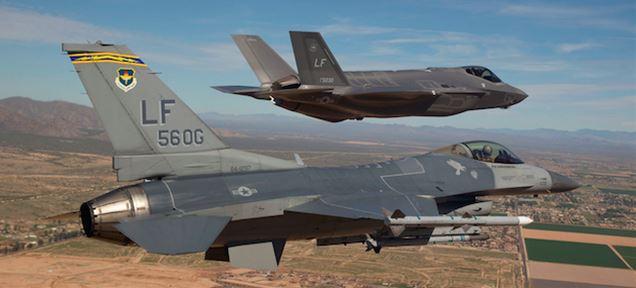 F-16設計者、F-35が駄作な理由を語る