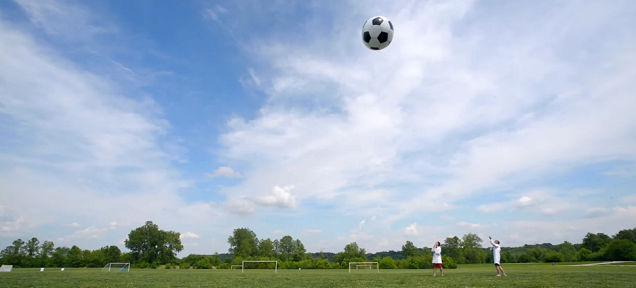 ヘリウムサッカーは100倍楽しい