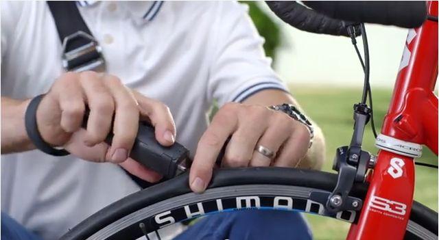 自転車乗りの強い味方。1分でパンク修理できるツール