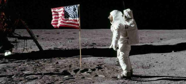 月面に残された星条旗は今、どうなっている?