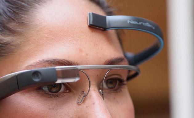 グーグル・グラスを脳波でコントロールするアプリ「MindRDR」