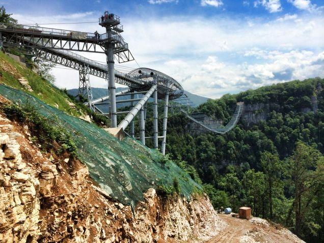 ソチに世界1長い歩行可能な吊り橋が完成! バンジージャンプもできるよ