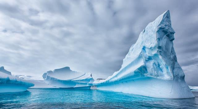 南極の写真でも見て涼もう…