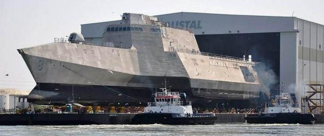 アメリカの海域戦闘艦モントゴメリ号が最高にかっこいい