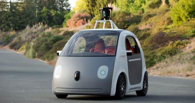 グーグルの自走車、法定速度より時速16km超で走るようプログラム変更