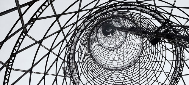 ロシアのシューホフ・タワー、取り壊し計画を著名建築家と国民投票が阻止