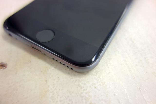 140919niphone6hand9.jpg