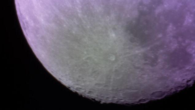 3Dプリンタ製の望遠鏡で初めて撮影された月の写真   ギズモード