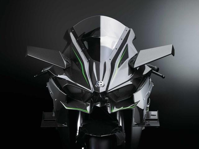 300馬力でガンダムルックスなオートバイ。カワサキ「Ninja H2R」