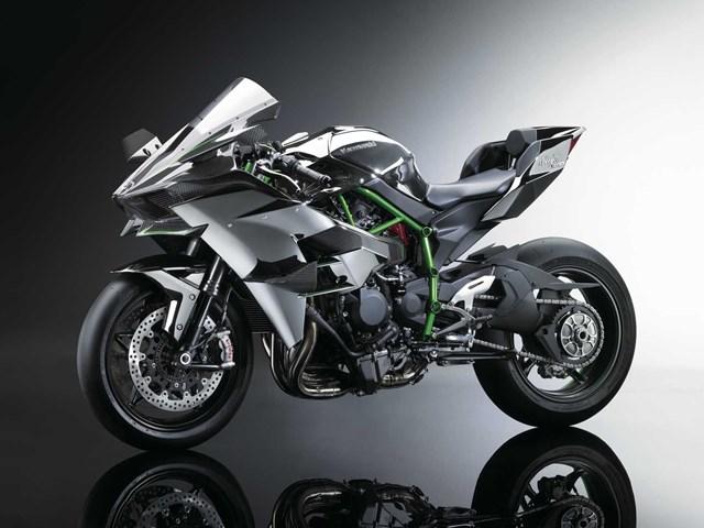 141003-2015-Kawasaki-Ninja-H2-002.jpg