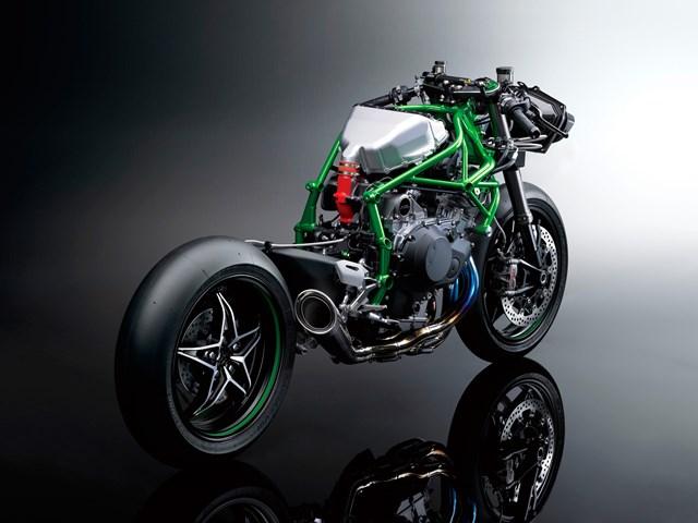 141003-2015-Kawasaki-Ninja-H2-004.jpg