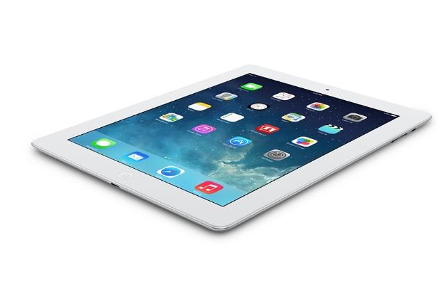 お値段変わらずグレードUP。iPadの低価格モデルがiPad2からRetinaモデルへ変更