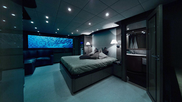 高級潜水艦ホテルのセックスプラン、お値段600万円
