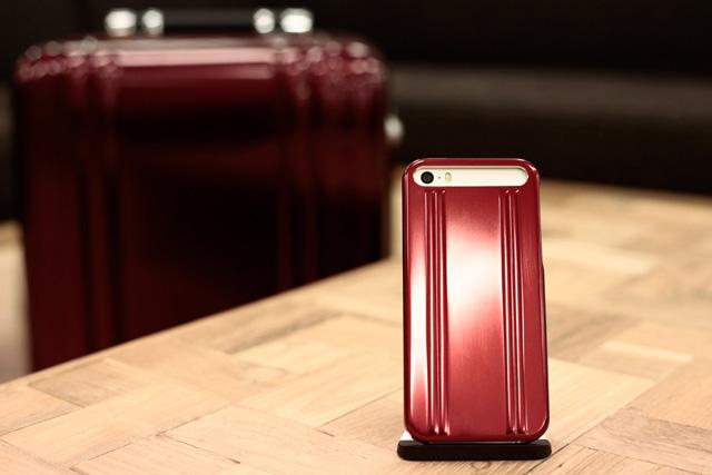 前作は完売。新作ゼロハリコラボiPhoneケースの「赤」は惚れます