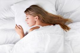 朝、幸せな気分で目覚めるための方法