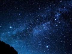 今見たいのは満天の星。しかも寝転びながら都会で、あの人と