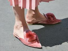 「ピンクを着るのに年齢制限なんてないわよ」LAガールはミレニアルピンクに夢中