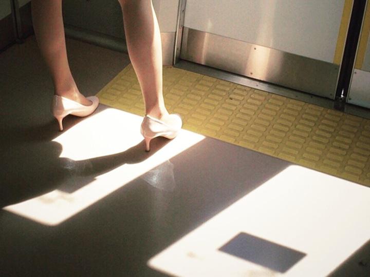 肛門キュッ。通勤時間の「膣トレ」でほっそり足を手に入れる
