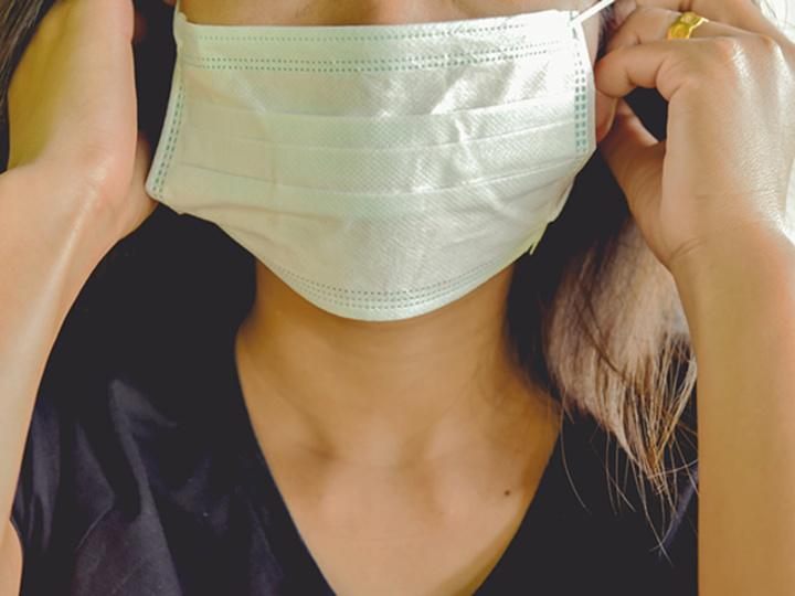 マスクの下で「ピヨピヨ」。顔エクササイズでシュッとしたほっぺになる