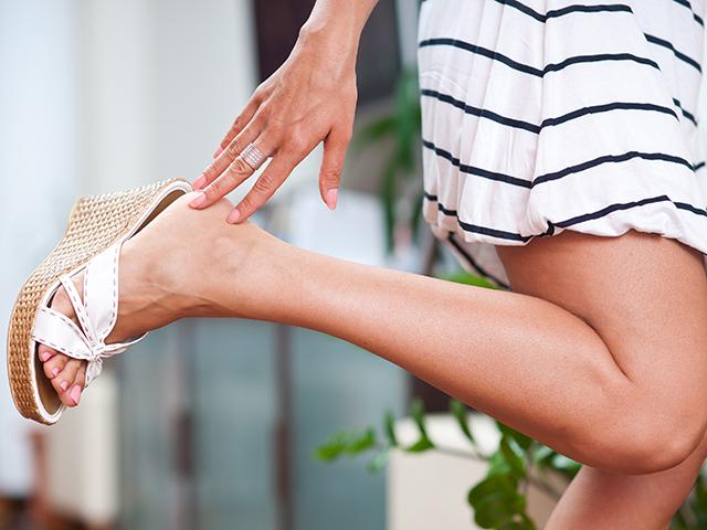 靴ずれ、傷あと...気になる脚のあれこれ。パーツモデルに対処法を聞いてみた