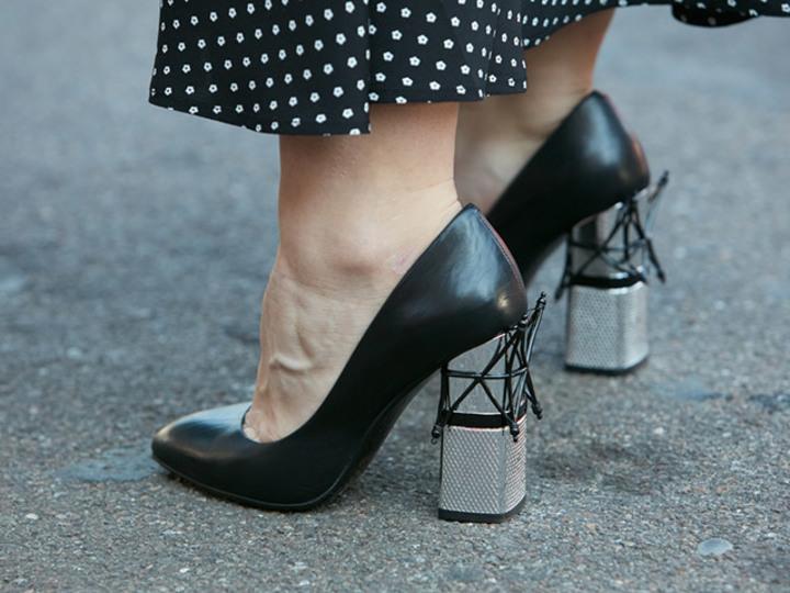 パンプス履くとき、靴下どうしてる?