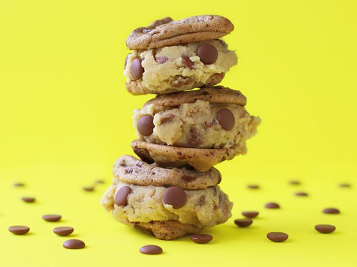 クッキー生地がお菓子になった。もういくら食べてもお母さんに怒られないよ