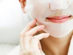 ここぞというときの勝負マスク。化粧ノリが半端ない...!
