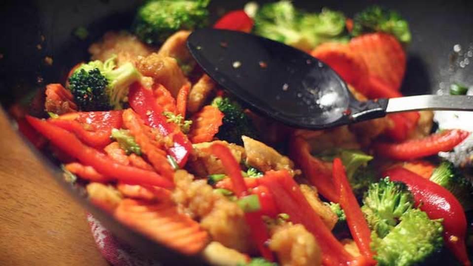 本当に美味しい食事が食べたいなら、レストランより「自炊」するべし