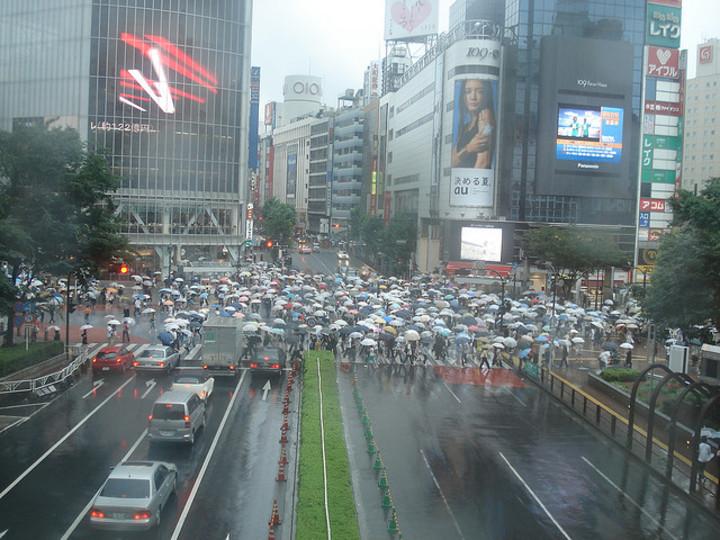 雨が降った時に無料で傘を貸してくれるサービス「シブカサ」