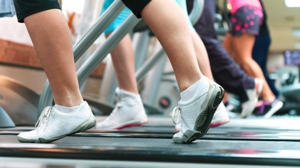仕事の合間に運動をするとモチベーションや生産性がアップするという研究結果