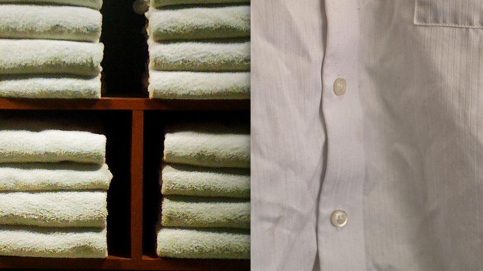 湿ったタオルを使って外出先でもシャツのしわを簡単に伸ばすTips