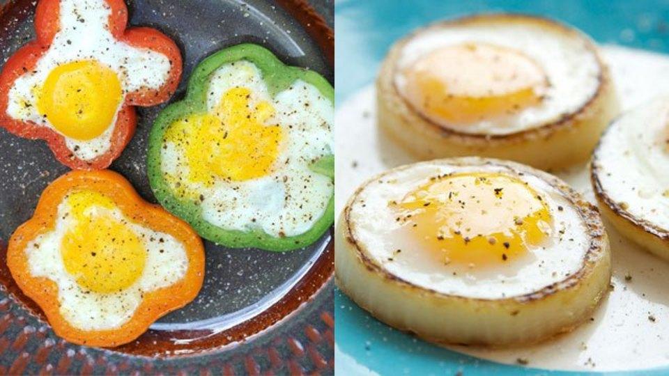 簡単レシピ! 輪切りの玉ねぎやパプリカに卵を落として焼くだけの「美・目玉焼き」