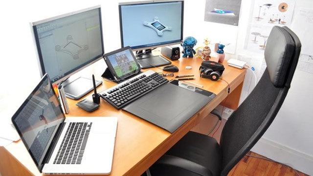 仕事場探訪:夢をカタチにするデザイナーの仕事部屋
