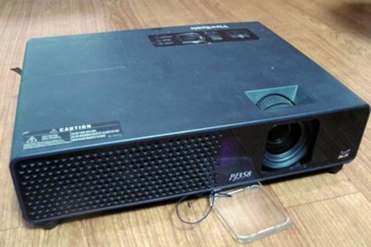 プロジェクターは大画面テレビの置き換えになるか?