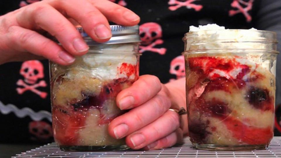 ガラス瓶で「お一人さま」デザートを簡単に手作り
