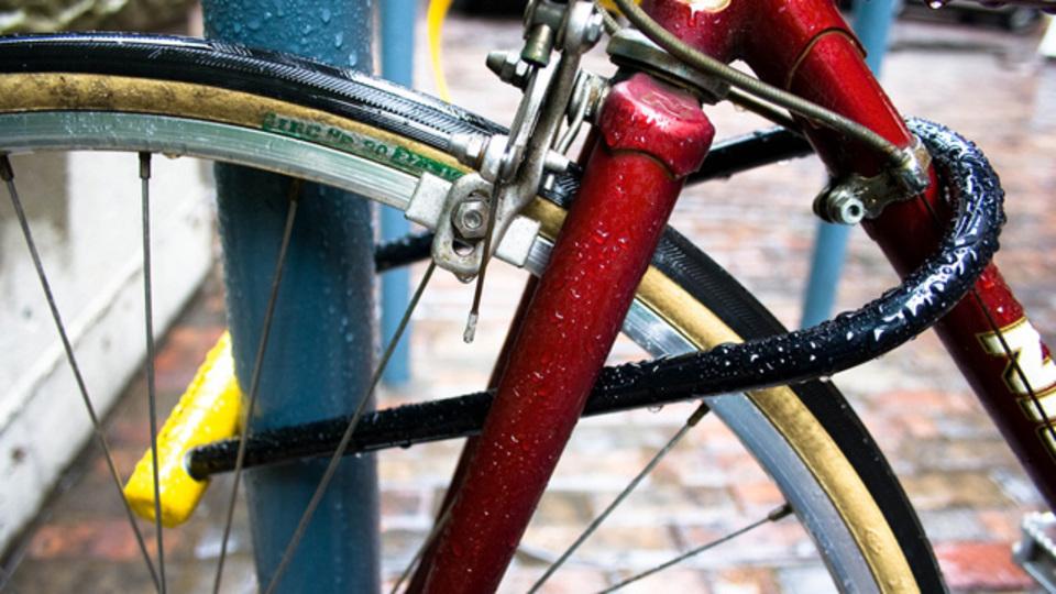 愛用の自転車を盗まれないための「正しい自転車のカギのかけ方」