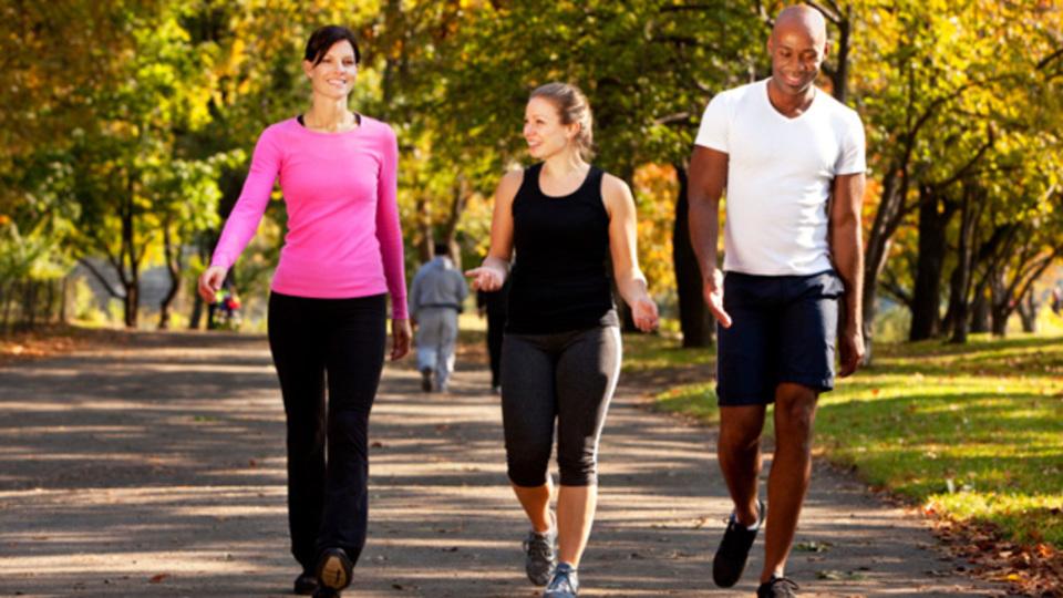 朝に運動をすると、その後一日の食事量や食欲を抑えられるという研究結果