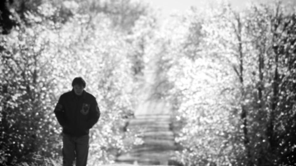 秋から冬にかけて気分が落ち込むのは「冬季うつ病」の疑いアリ