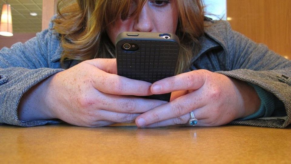 受信トレイにメールが溜まるのは心理的な問題が原因